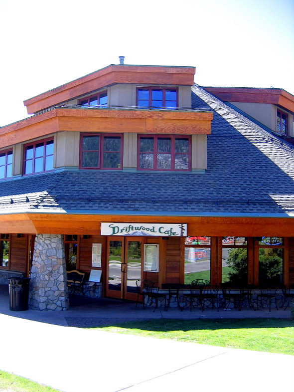 Driftwood Café in South Lake Tahoe, California